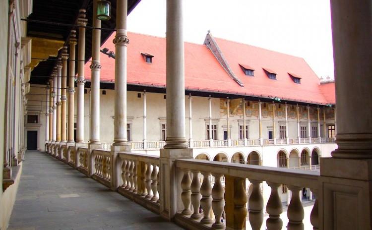 Wawel-castle-inside